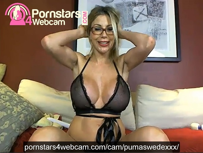 Puma Swede Online Cam Photo