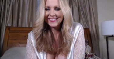 Julia Ann Webcam Show Picture CamSoda